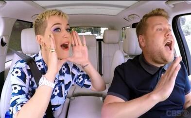 Katy Perry vyzvala v novom Carpool Karaoke Taylor Swift, aby ukončila ich vzájomný konflikt. James Corden si ešte aj dobre zaspieval
