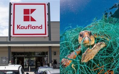 Kaufland nadobro skoncoval s jednorazovými plastami. V supermarkete ich už nekúpiš