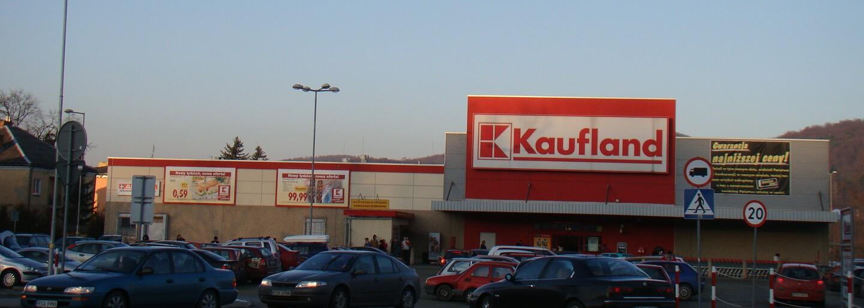 Kaufland sa opäť naváža do Lidlu s otázkou, či v ňom zase mali plastový týždeň. Zaujímavý súboj reťazcov na slovenskej scéne pokračuje