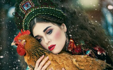 Každá žena aspoň raz v živote túžila byť princeznou. Ruská fotografka Margarita Kareva premieňa bežné ženy na rozprávkové bytosti