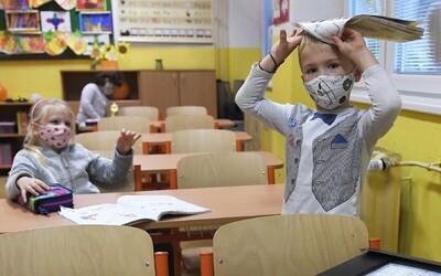 Kdy se otevřou školy? Návrat dětí by mohl být podmíněný negativním testem