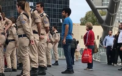 Když se na 2 minuty zastaví celá země. Izrael si připomínal oběti holokaustu dojemnou tradicí, při které vzdávají hold všichni
