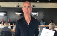 Keď poletí Jeff Bezos do vesmíru, nesmie sa vrátiť na Zem, žiadajú tisíce ľudí v petícii