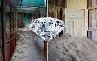Kedysi bohaté nálezisko diamantov, dnes zabudnutá dedinka duchov. Kolmanskop nebola od 50. rokov už nikdy rovnaká