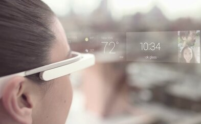Kdysi Google, nyní už i Apple. Kalifornský výrobce testuje futuristické brýle, které rozšíří naši realitu