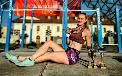 Kedysi som sa tak hanbila, že som radšej cvičila v pivnici, hovorí bronzová Veronika z majstrovstiev sveta v street workoute