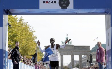 Keňan Eliud Kipchoge zaběhl na Berlínském maratonu světový rekord