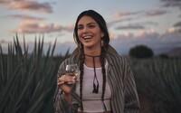 Kendall Jenner kritizují kvůli její značce tequily. Mexické komunity ji obvinili z kulturního přivlastnění