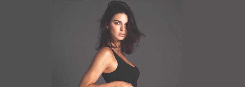 Kendall Jenner sa pochválila tetovaním v ústach. Získala ho opitá a jeho význam je absolútne bezcenný
