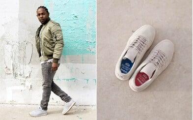 Kendrick Lamar s novými teniskami Reebok Classic. Proč je jedna modrá a druhá červená?