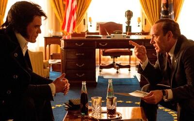 Kevin Spacey a Michael Shannon hláškujú v traileri pre šialenú komédiu Elvis & Nixon
