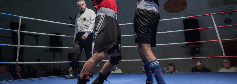 Khabib Nurmagomedov už domlouval souboj s Mayweatherem v Ruské boxerské federaci. V Moskvě chce 100 tisíc diváků