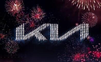 Kia během velkolepé show představila nové logo a stanovila světový rekord