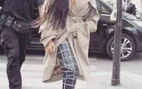 Kim Kardashian okradli ozbrojení lupiči o klenoty v hodnotě 243 milionů korun. Kanye West kvůli tomu přerušil své vystoupení v New Yorku