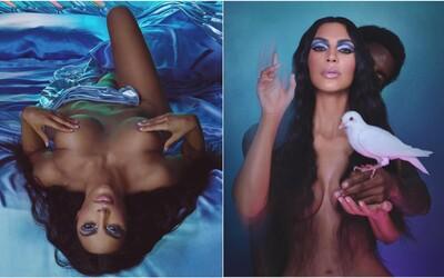 Kim Kardashian opět nahá. V kampani pro vlastní kosmetiku se zakrývá jen prsty