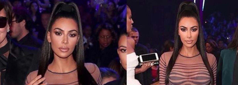 Kim Kardashian si trúfla na odvážne šaty so vzorom optickej ilúzie. Na americkom galavečeri ukradla všetku pozornosť