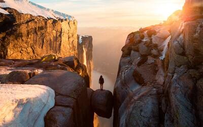 Kjeragbolten: Nórska skala nad priepasťou, ktorú navštíviť je zážitok na celý život