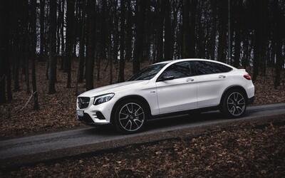 Klame telom a potrápi aj nejeden športiak. Mercedes-AMG GLC 43 Coupé funguje neskutočne dobre