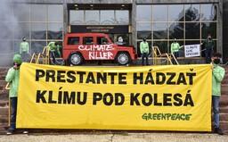 Klimatickí aktivisti dnes zablokovali ministerstvá aj úrad vlády. Igor Matovič ich vraj dlhodobo ignoruje