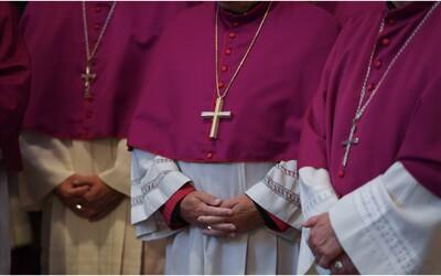 Kňazi za 50 rokov znásilnili tisíce detí, pedofilom sa nevyhlo ani Slovensko. Ako to vyzerá v našej cirkvi?