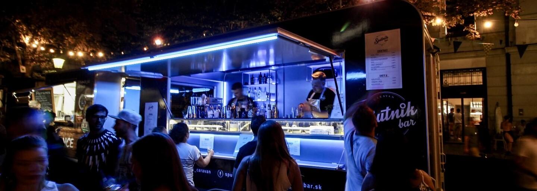 Koktejl bar na kolesách chodí po celom Slovensku. Zastihneš ho na festivaloch, street foode a možno aj v tvojom meste (Rozhovor)