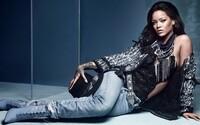 Kolekce extravagantních bot Rihanna x Manolo Blahnik Denim Desserts se dostává do prodeje