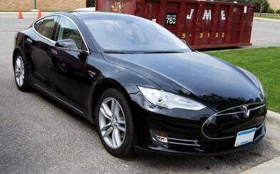 Koľko kilometrov prejde Tesla, keď jej systém ukazuje vybité batérie? Istý Dán to vyskúšal a výsledok prekvapí