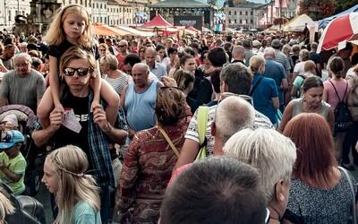 Koľko ľudí bude žiť na Slovensku v roku 2100? Podľa vedcov nás čaká populačná kríza