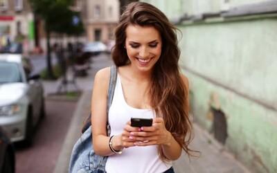 Koľkokrát za deň si skontrolujeme smartfón? Viac než tretina bežných ľudí môže byť na telefónoch závislá