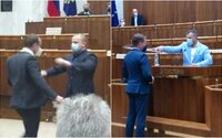 Kollár zvažuje parlamentnú stráž. Tá by mohla vyhodiť poslancov, ktorí robia neporiadok či blokujú rečnícky pult