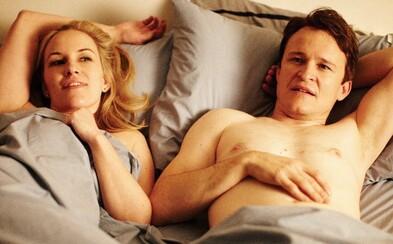 Komédia o sexuálnych fetišoch, kultová bondovka a nehollywoodska dráma, ktorá vás rozcíti. Tieto 3 filmy musíte vidieť
