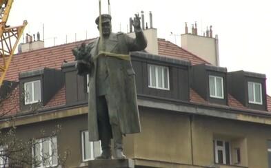 """Komunistická strana Zimbabwe vydala prohlášení k odstranění sochy Koněva v Praze. Afričtí soudruzi jsou """"naprosto znechucení"""""""