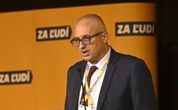 Končím, oddnes už nie som Matovičov poslanec, píše Miroslav Kollár. Vystupuje aj z poslaneckého klubu Za Ľudí