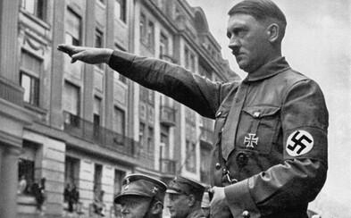 Konec konspiračních teorií o Hitlerově smrti. Studie jeho zubů potvrdila, že se otrávil kyanidem a zastřelil