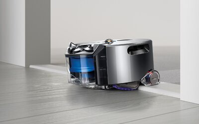 Konečne tu máme robotický vysávač, ktorý vie naozaj vysávať