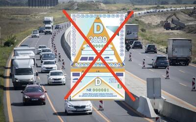 Koniec diaľničným známkam? Od budúceho roka majú vodiči jazdiť bezplatne, chýbajúce peniaze však pôjdu zo štátneho rozpočtu