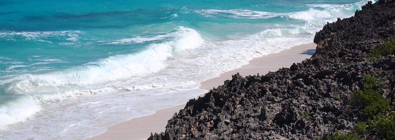 Konšpirační teoretici najnovšie objavili staroveké pyramídy na dne Atlantického oceánu. Bahamy majú pred svetom ukrývať stratené tajomstvá