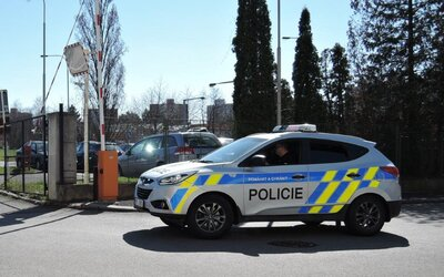 Kontroly na hranicích okresů: Kolik vozidel bylo zkontrolováno ve tvém kraji?