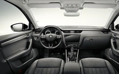 Kontroverzný facelift Octavie detailne ukázal interiér s obrovským displejom. Nové sú však aj motory