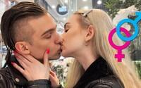 Kontroverzný Slaytiiina sa stal na deň heterosexuálom. Vyskúšal pobozkať dievča či dedinské sledovanie futbalu