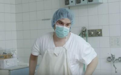 Kontroverzný slovenský dokument kritizujúci naše pôrodníctvo už odštartoval svoju kinopremiéru. Zájdete na neho aj vy?