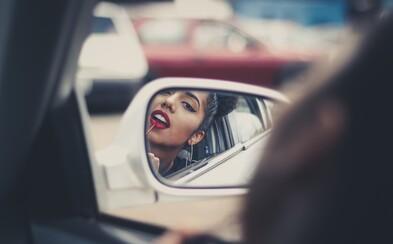 Kontúrovanie pomocou lodičky či rozmazaný rúž ako hit sezóny? Beauty trendy roku 2017, ktoré nám nebudú chýbať