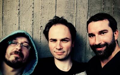 Korben Dallas podporia nový album na turné so Zrní, odhaľujú aj vesmírny videoklip k piesni Za Sklom
