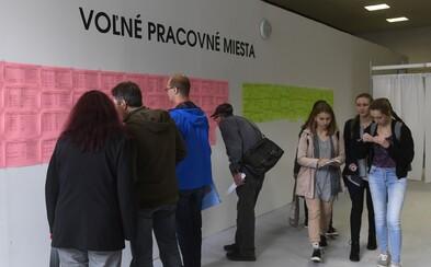 Koronakríza tvrdo zasiahla aj slovenských vysokoškolákov. V Prešove prišlo o prácu až 41 % z nich