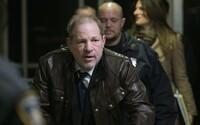 Koronavirem je nakažený i odsouzený sexuální predátor Harvey Weinstein