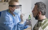 KORONAVIRUS: Epidemie se vymyká kontrole. Ve středu přibylo 3276 nakažených