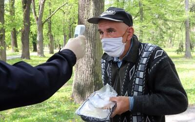Koronavirus na ústupu: Dva české okresy hlásí nula nakažených