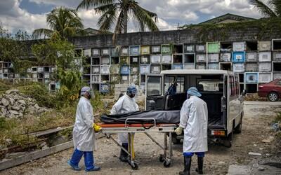 Koronavirus se prý může přenášet i z mrtvých těl. V Thajsku takto zemřel soudní lékař