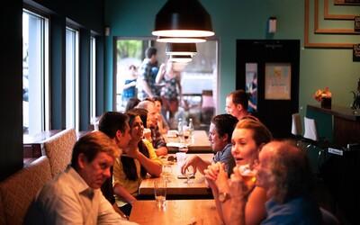 Koronavirus se v restauraci rozšířil na 9 lidí přes klimatizaci. Seděli blízko nakažené osoby