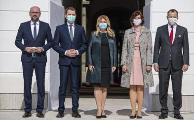 Koronavírus už zasiahol aj do rokovaní vlády. Nová štvrkoalícia prišla za prezidentkou Zuzanou Čaputovou v rúškach